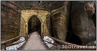 Play virtual tour - Gothic Gate