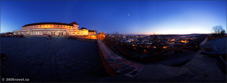 Play virtual tour - Brno Outlook in the Night