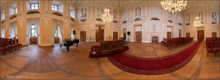 Play virtual tour - Knights Hall