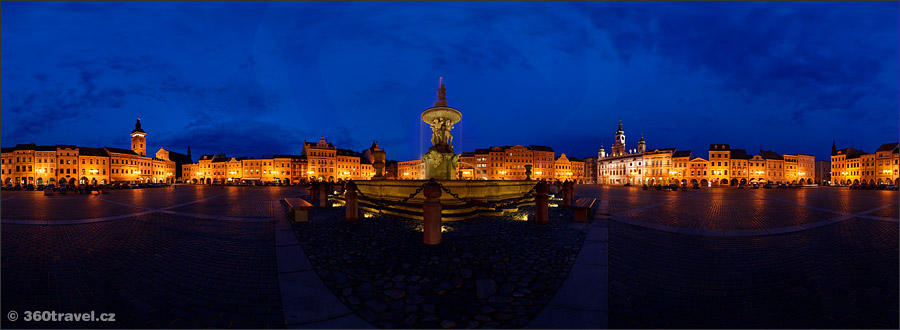 Play virtual tour - Samson's Fountain In Night