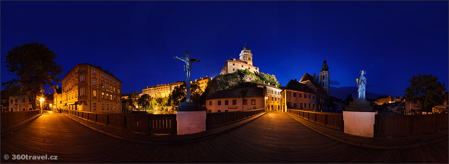 Play virtual tour - Lazebnický Bridge in Night