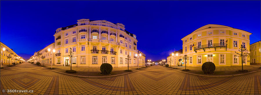 Play virtual tour - National Street in Night