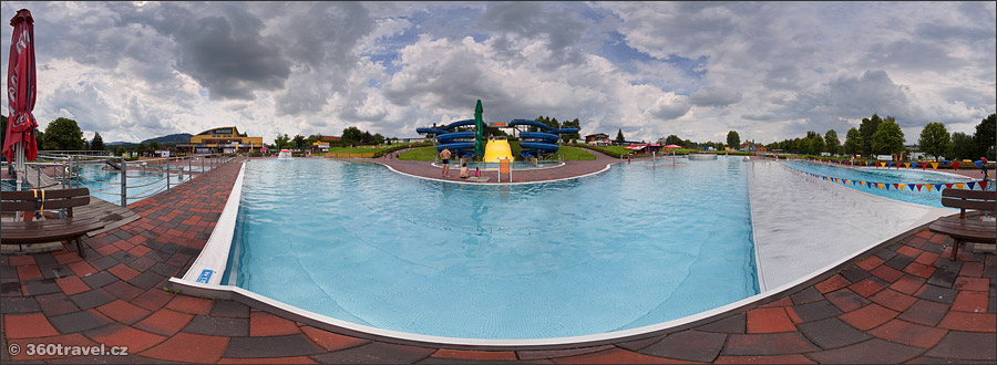 Play virtual tour - Outdoor Pools