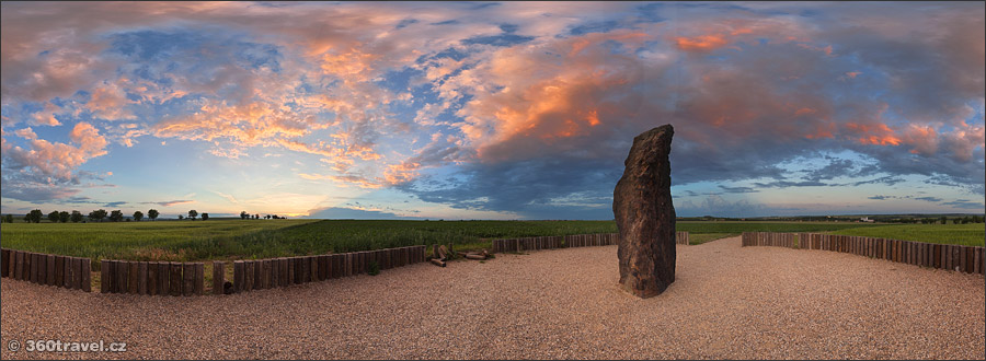 Play virtual tour - Menhir Stone Man I