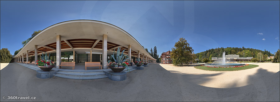 Play virtual tour - Colonnade