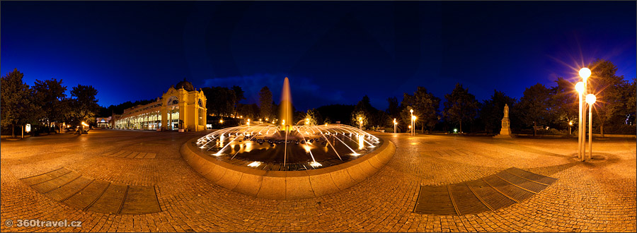 Play virtual tour - Singing Fountain at Night