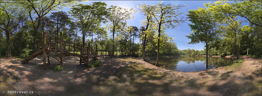 Play virtual tour - Ressl Hill - Pond