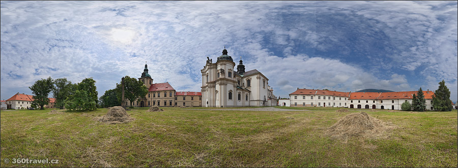Play virtual tour - Cistercian Monastery