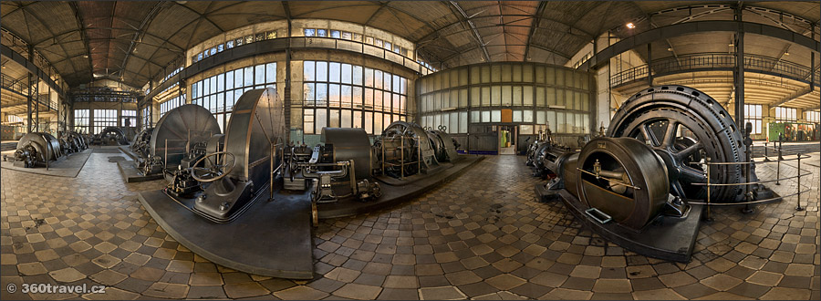 Play virtual tour - Engine Room
